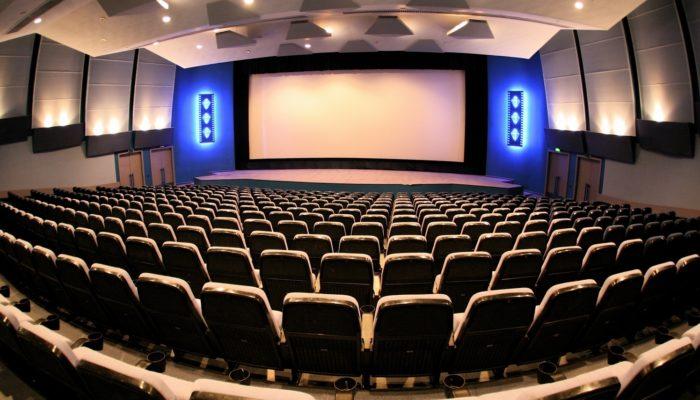 Как заработать на показе кино: бизнес-план открытия кинотеатра