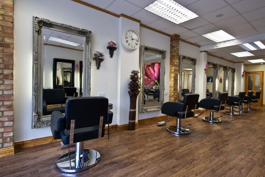 Сколько стоит открыть парикмахерскую эконом-класса и как это сделать