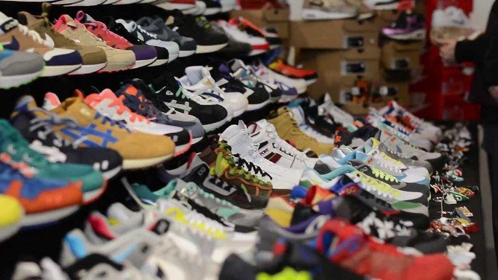 бизнес кроссовках