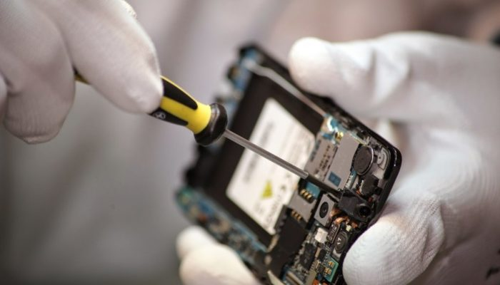Как открыть небольшую мастерскую по ремонту телефонов?